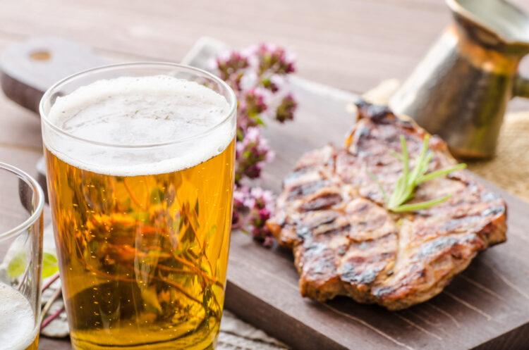 С какой едой сочетается светлое и тёмное пиво?