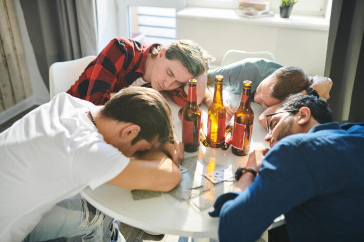 Почему алкоголь вызывает у вас сонливость?