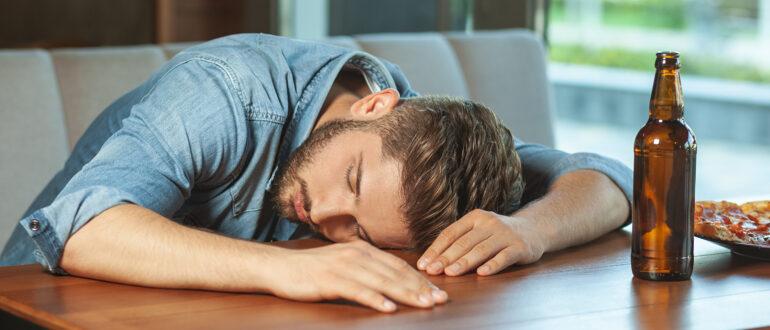 Почему пиво вызывает сонливость? (Основные причины)