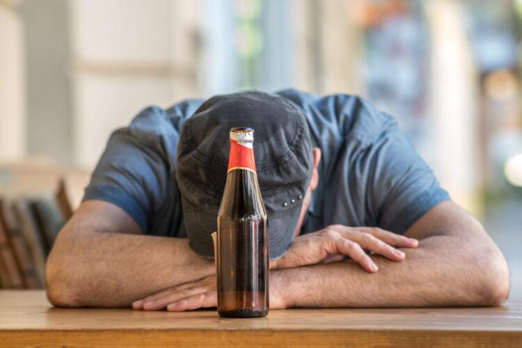Почему после пива вам хочется спать?